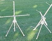 Medium Yarn Swift - Windmill Traveler Tripod Swift w/Hand Crank - Portable, Versatile, Accurate, Non-Skid Table or Floor Use
