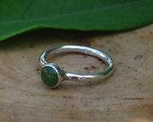 Handmade Green Nephrite Jade Hammered Sterling Silver Ring Single Stacking