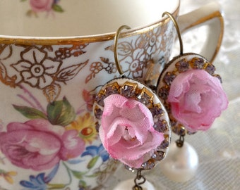 Lilygrace Vintage Pink Rose Cameo Earrings with Huge Freshwater Pearls