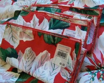lovely white poinsettia holiday napkins