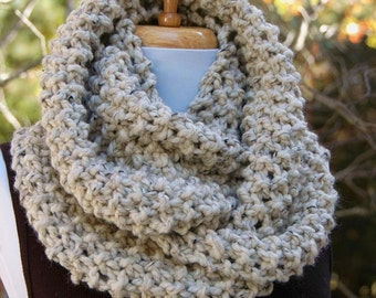 Knit Infinity Scarf in Neutral Oatmeal, Circle Scarf, Womens Scarf, Chunky Scarf, Knitted Scarf, Hand Knitted Scarf, Winter Scarf, Wool