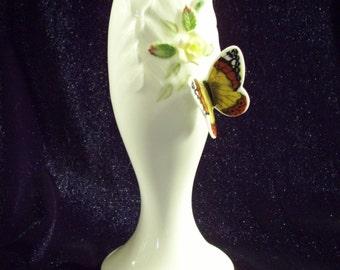 Vintage Maruri Masterpiece Bone China Bud Vase Flower Butterfly 1979 Enesco 3D