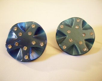 Blue Thermoset Rhinestone Carved Spokes Button Clip Earrings Vintage 50s