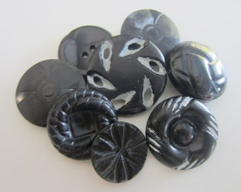 Vintage Buttons - 8 large novelty black buttons, 1950's (mar 4402)
