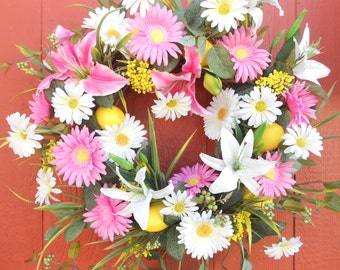 Spring Wreath....Door Wreath......Coming Up Daisies.......