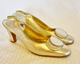 60s 70s Vintage Silver Lame' Shoes with Rhinestones by Rayne Size 9