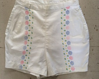 Vintage 1970s Mod High Waisted Cotton White Jean Shorts Flower Power Size 12 Mad Men