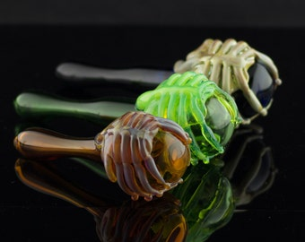 Facehugger Alien Large Glass Pipe Spoon Hand Blown Thick Wall in YOU CHOOSE the COLOR, Made to Order