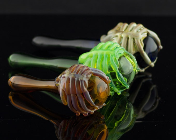 Facehugger Glass Pipe / Alien Pipe / Large Glass Spoon / Alien Movie / Pyrex Pipe / Handmade Pipe / You Choose the Color / Made to Order