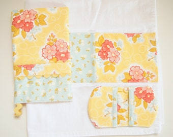 Oven Mitt - Kitchen Towel - Fingertip Mitt in Marguerite Yellow Floral and Blue Calico