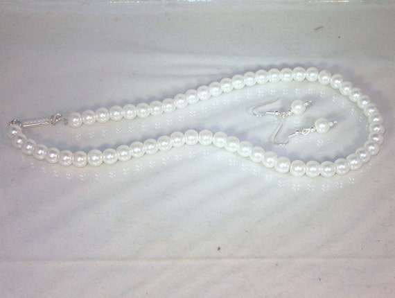 Pearls Set  - Necklace & Earrings - Glass Pearls -  White - Made to Order - Any Color - Bridesmaids, Jr Bridesmaids