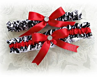 Red and damask weddings bridal garter set - bridal accessories - garter belt set.