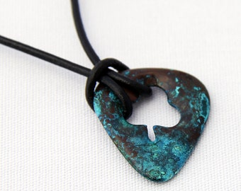 Lucky Clover Guitar Pick in Corroded Teal
