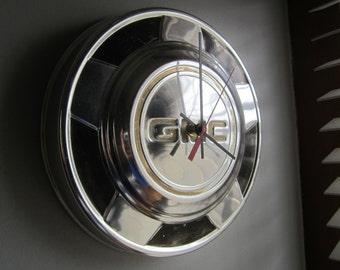 1970s GMC Truck Hubcap Clock no.2242