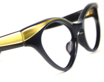 Vintage 50s Black and Gold Winged Cat Eye Glasses  NOS Vintage Optical Frame  48/18