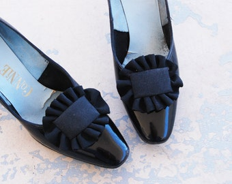 CLEARANCE vintage 60s Shoes -  1960s Black Patent Leather Heels Ruffled Bow Heels Sz 7 38