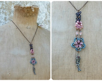 Petit poisson blue pink & siver handmade in France beaded pendant necklace