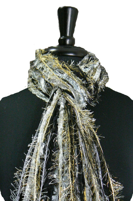 University of Colorado at Boulder Buffaloes colors - College Scarves Sports Scarf - Gold, Silver, Black