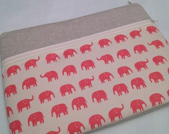 "Zipper Macbook 13""padded sleeve /Macbook pro 13"" /  made in Maine/ pink elephants"