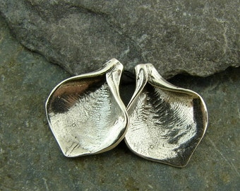 Rustic Lily Blossom - Rustic Sterling Silver Blossoms - One Pair - fcdlb