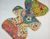 """Willow Grove - Chartreuse - 9.5"""" inch - 3L - Reusable Cloth Pad"""