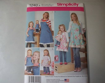 New Simplicity Apron Pattern 1240, Mommy, Me and Dollie  (Free US Shipping)