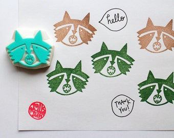 raccoon hand carved rubber stamp. raccoon face stamp. woodland animal stamp. diy birthday party favor bags. baby shower gift wrapping