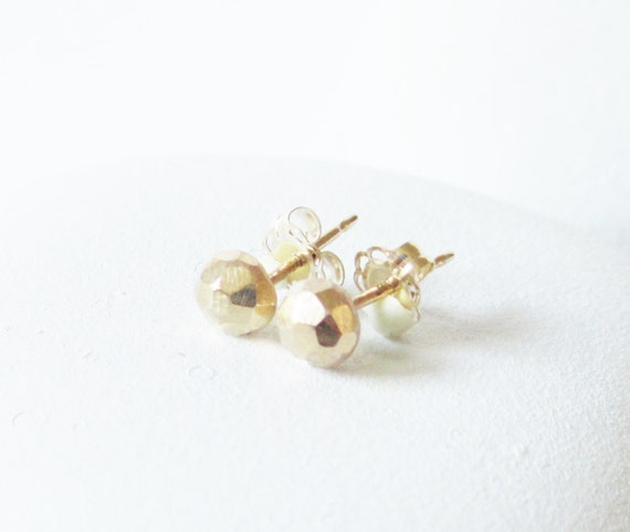 14 kt gold stud earring solid faceted gold post earring