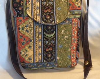 Purse Small Multi-Colored Patchwork Quilted Pockets Magnetic Snap Adjustable Strap