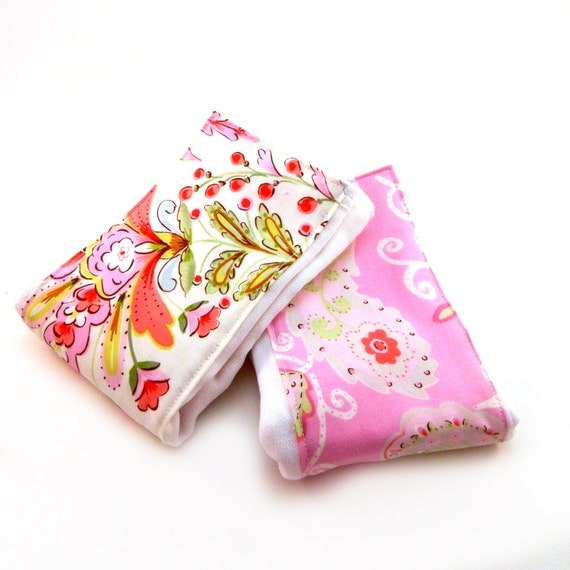 Girl Burp Cloths // Pink flowers Paisley Diaper Burp Cloth - set of 2 // Cotton Burp Clothes // Baby Shower Gift // Gift For Baby