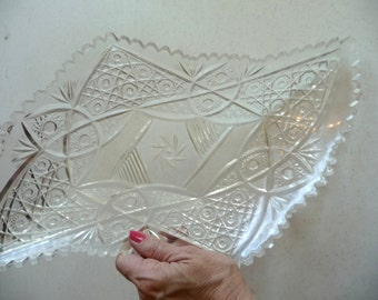 vintage plastic tray, clear plastic tray, fruit tray, food holder, serving tray, unique housewares, unique design, home decor, heavy plastic