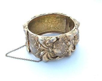 Vintage Gold Tone Metal Cuff Whiting and Davis Bracelet Statement Botanical Pineapple Hinged Bangle Clamper