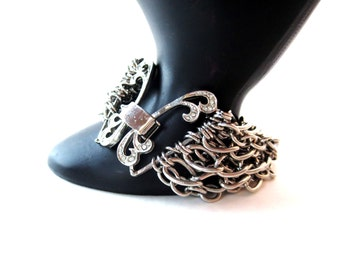 Unsigned Silver Tone Chunky Multiple Chain/Multi-Chain Abstract/Butterfly Rhinestone Closure Bracelet
