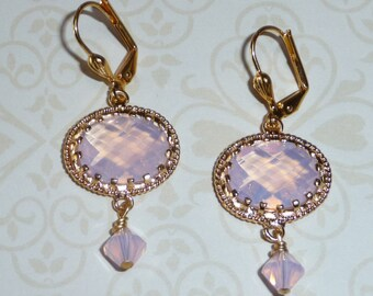 Light Pink Glass Earrings with a Swarovski Crystal - E1696