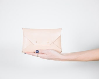 Natural Medium Clutch