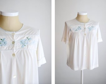 1960s White Embroidered Bed Jacket - M