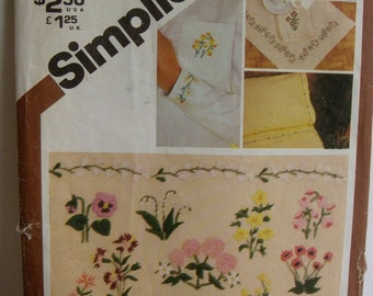 Transfers, Embroidery, one size, Simplicity 9891, UNCUT 1980