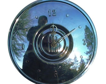 Fiat Hubcap Clock, '60s with numbers (h hub cap) vintage wall clock