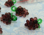 4 GLASS Grape Charms Clusters with Green Stem Handmade Grapes Charms 3D Chunky Wine Charm Marker Jewelry Supplies Bulk Beads Fruit Pendants
