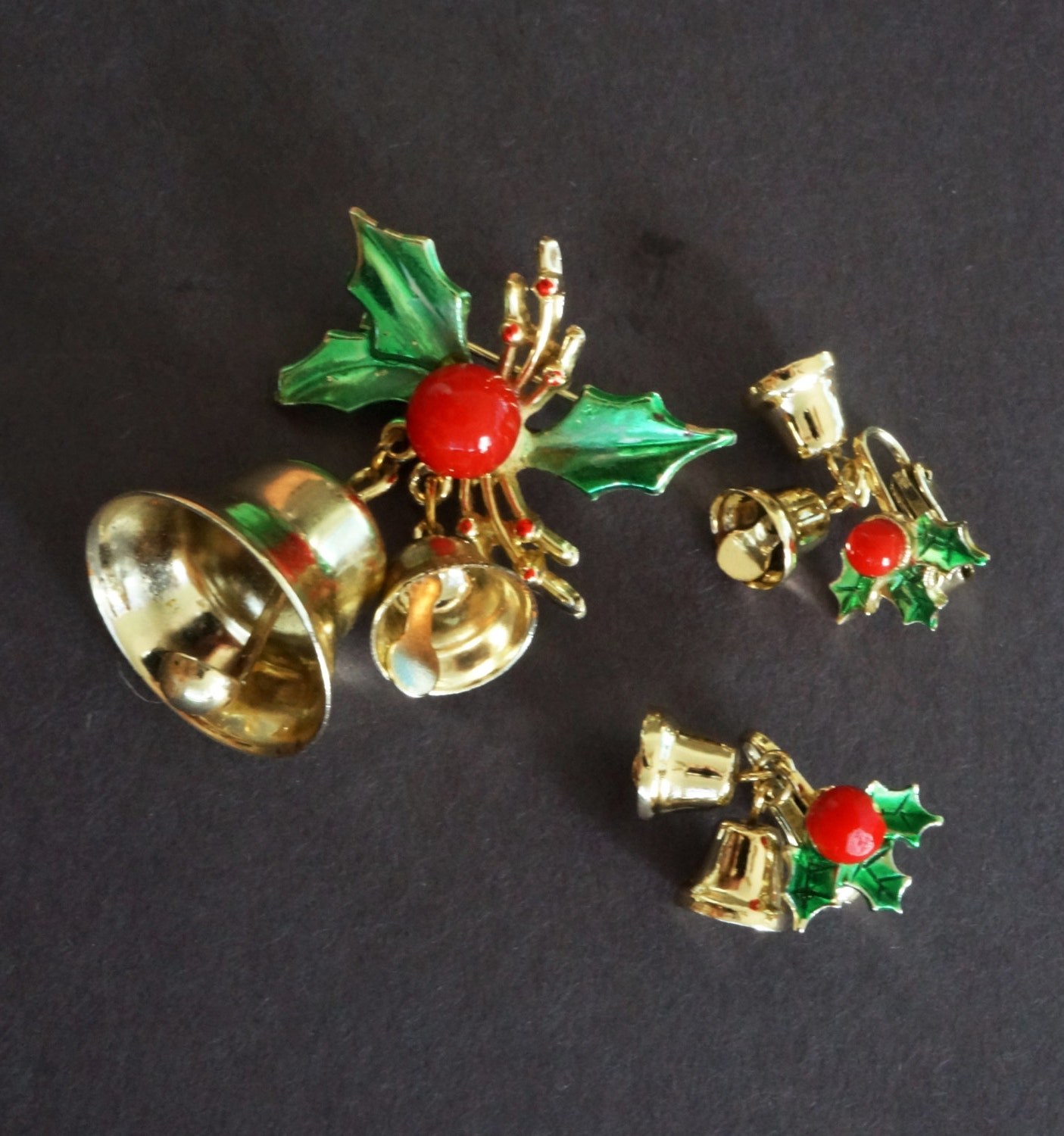 Vintage Christmas Bell Holly Brooch Pin Earring Set Gold Green