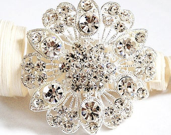 Rhinestone Brooch Crystal Brooch Bridal Brooch Bouquet Hair Comb Shoe Clip Wedding Cake Decoration Invitation DIY Supply BR057