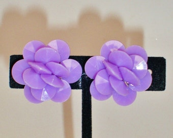 Vintage Mod Lucite Earrings 50's Purple Orchid Periwinkle Lavender Cluster Clip Retro Hipster Hippie BoHo Chic Art Deco Runway  Statement