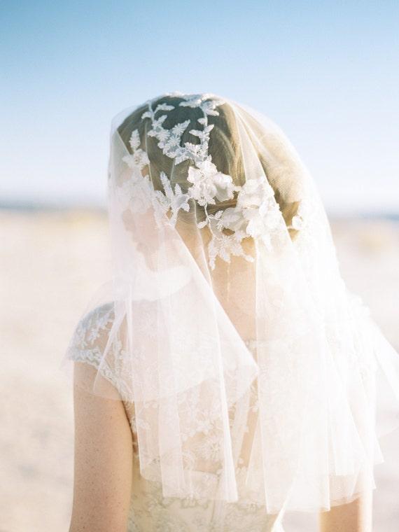 Wedding Veil, Bridal Veil, Floral Veil, Short Veil, Elbow Length veil, Ivory, Blusher Veil - Style 406