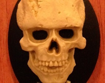 Frankenstein's Monster Skull 3D Cameos 40x30mm, set of 3 in Ivory on Black