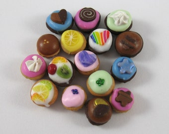 Dollhouse Miniature Food Cupcakes in 12th Scale