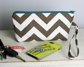 Everyday Wristlet - Small Purse - Chevron Stripe in Brown with Teal
