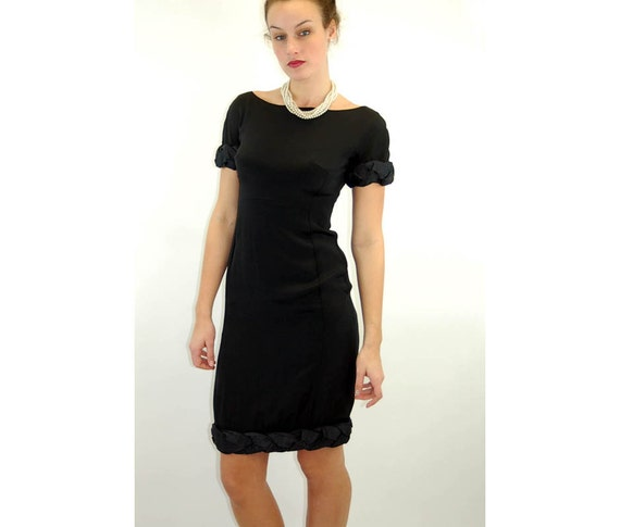 1960s cocktail dress, little black dress, LBD, wiggle dress, bateau neckline, Jane  Derby New York, Size M
