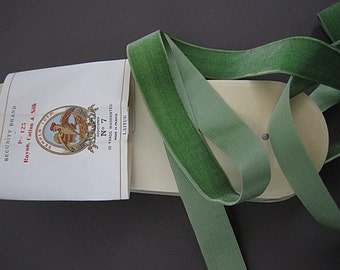 Vintage French velvet ribbon 20s silk cotton ribbon France ribbon No. 7 size 1 inch wide Pale Green Laitue