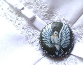 Baptim gift, Dove handpainted on a river stone, by Shelli Bowler