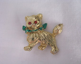 Gold tone holiday kitty cat brooch pin red eyes & green scarf